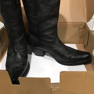 Ariat Shoes - Women's Ariat Cowgirl Boots